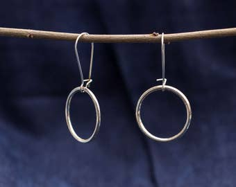 Earring with large ring silver