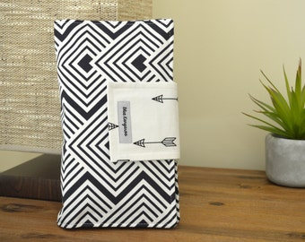 Sale! Nappy Wallet, diaper wallet - Black and white