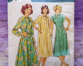 Style 2329 1970's Dress Vintage Womens Sewing Pattern Sizes 10 & 12