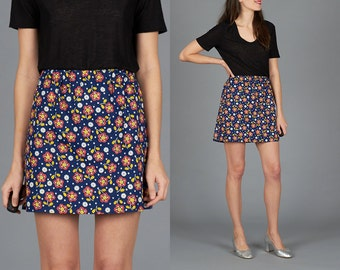 Vintage 60s / 70s XS / Small Floral Mini Skirt