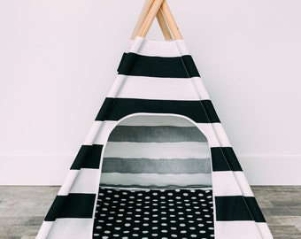 Pad for pet teepee