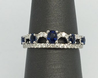 18K White Gold Natural Diamond and Natural Sapphire Ring