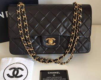 Reserved   saleーーーAuthentic Vintage Chanel Quilted double flap medium black