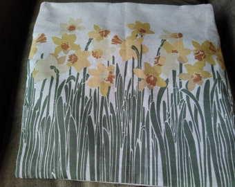 Daffodil cushion cover