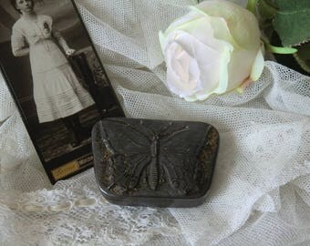 Beautiful small butterfly tin vintage shabby chic Butterfly Metal box french