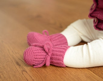 Knit Baby Shoes, Baby Girl Boots, Hand Knit Baby Boots, Merino Wool Baby Girl Shoes, Knitted Newborn Boots, Wool Newborn Shoes