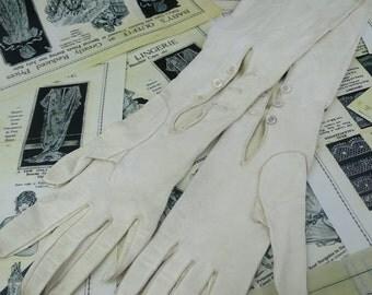 Edwardian Ivory Kid Leather Elbow Length Opera Gloves-  Size 6 3/4