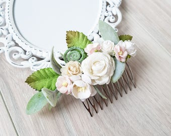 Bridal hair comb, Ivory wedding hair comb, Bridal headpiece, Wedding headpiece, Hair comb, Greenery flower comb, Rose comb, Hair flowers