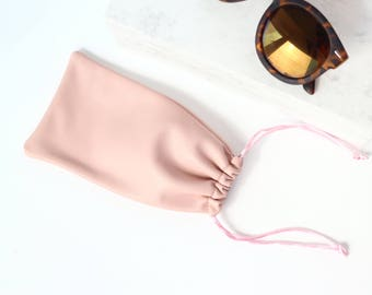 Pale Pink Leather Sunglasses Case // Sunglasses Sleeve // Glasses Bag // Leather Glasses Pouch / Small Leather Bag / Sunglasses Holder