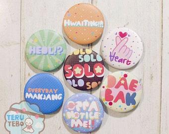 Kpop button pins fandom badges / daebak / heart fingers / kpop finger /kpop heart