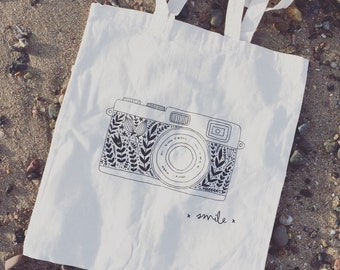 Smile for the Camera tote
