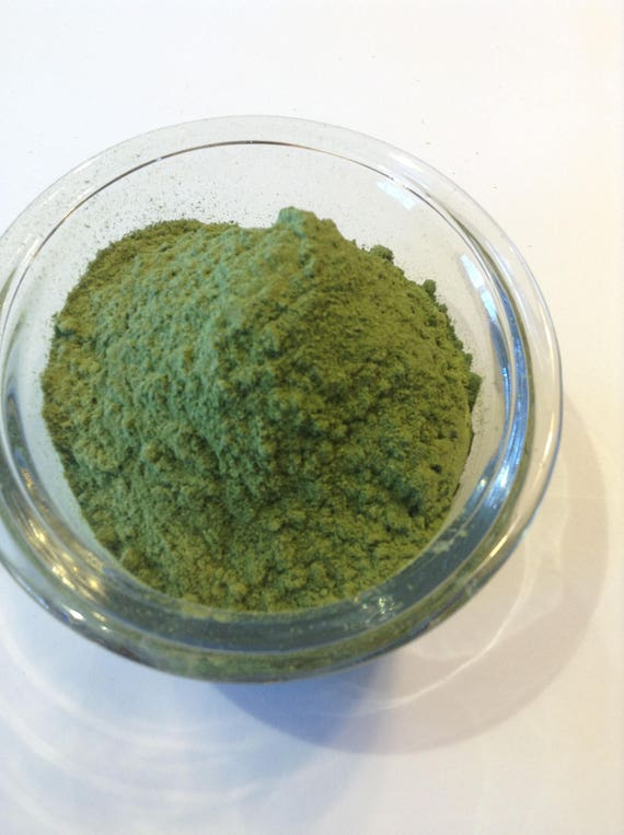 1/2-4 oz Organic Spinach Powder Great for Smoothies or making pasta