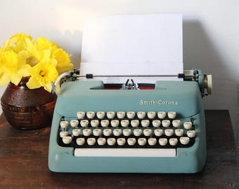 Vintage Blue Smith  Corona, Smith Corona, 1950s Smith Corona, Vintage Typewriter