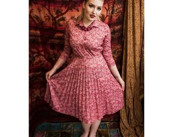 Vibrant Pink Vintage Dress // 1970's 1980's // Pleated Skirt // Retro Tea Dress