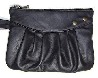 Auburn leather pouch with handle by Loli. Wedding handbag, cosmetics case, pencil case, coin purse, vintage style, rockabilly.