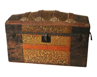 Vintage CAMELBACK TRUNK storage chest steamer train luggage antique toy box wood lid dome top camel vintage rustic wooden humpback 15452