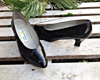 LIZ CLAIBORNE PUMPS, Black leather high heels size 7.5N