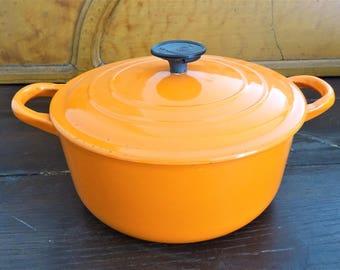 Casserole oven on Crucible 20 cm with its orange pot lid-Casserle 1970 s-Decor farm