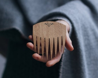 wooden hair comb in oak