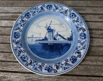 Hand painted Blue Deft plate. Dutch hand painted plate. Blue delft decorative plate