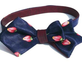 Mens selbst Sommer binden Obst, Fliege, italienische reine Seide satin, blau mit roten Erdbeeren, Freestyle, reversible, einzigartigen Stil, Tie-in der Lage
