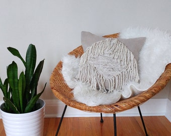 Fringe pillow cover, bohemian pillow, boho decor, natural linen pillow, macrame, knotted pillow, modern decor, boho textiles, modern pillow