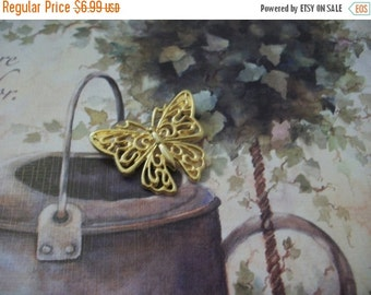ON SALE Vintage Gold Tone Open Cut Filigree Metal Butterfly Pin 21117