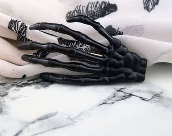 Skeleton Hand Clip