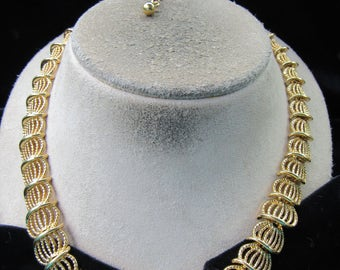 Vintage Goldtone Necklace