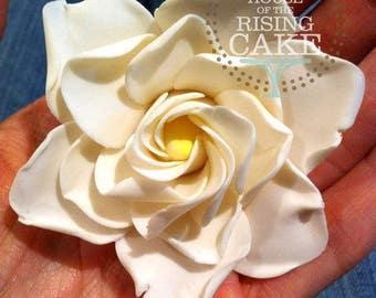 Gumpaste gardenia