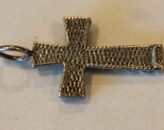 Vintage 2 sided sterling silver cross pendant