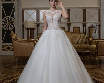 Luxury Ball Gown, Handmade Wedding Dress Decorated with Exquisite Appliques, Buttons on the Illusion Back, Train, Sleeveless, Wedding Gown