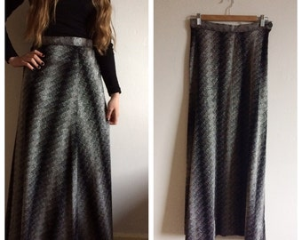 Beautiful vintage 1970s black and silver maxi skirt - S