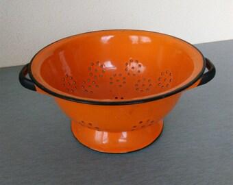 Vintage Orange Colander / Enamelware Colander / Old Polish Colander / Vintage Strainer / Orange Enamel Colander / Kitchen Colander