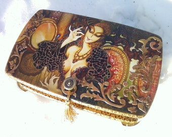 Large jewelry box. Большая шкатулка для украшений.