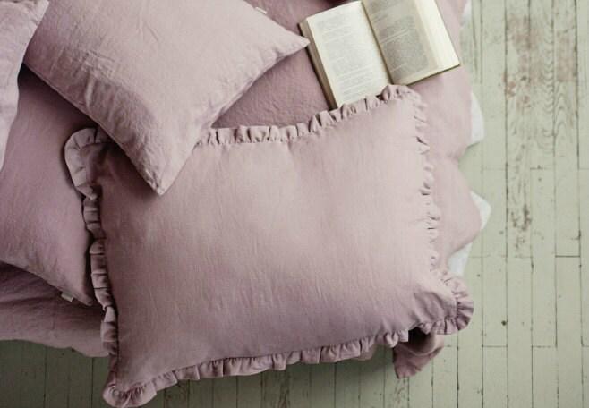 leinen kissenbezug mit r schen holz rosa farbe gekr uselte. Black Bedroom Furniture Sets. Home Design Ideas