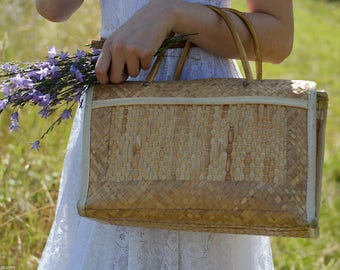 Vintage handbag - retro basket