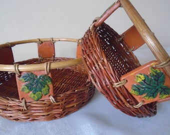 Set of two baskets woven with bamboo frame plastic tile detail.