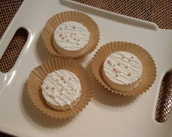 White Chocolate Covered Oreos with Pearls and Pearl Spray