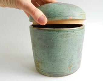 Large Green Pet Urn - dog urn, large pet urn, green urn, urn for dogs
