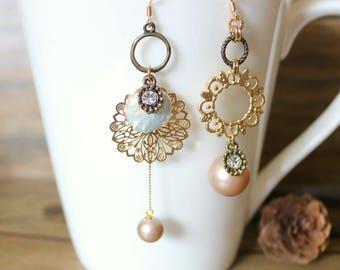 Vintage peach pearl mismatched earrings, Dangle & Drop Earrings, gift for her, wedding jewelry, clip on earrings, asymmetrical earrings