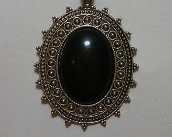 Gothic Gazing Stone Necklace, with Free Earrings