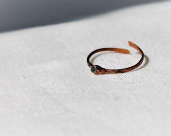 Emerald. Adjustable ring
