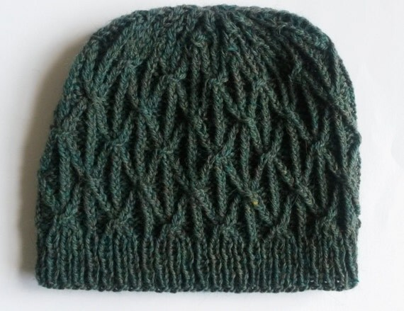 Aran Beanie Hat: handknitted in 100% wool. Original design. Made in Ireland. Aran cable pattern in green wool. Unisex. Great gift! Cosy/warm