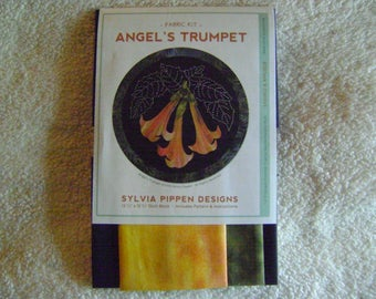 Angel's Trumpet Japanese Applique and Sashiko Tropical Flower Quilt Block Kit Designed by Sylvia Pippen