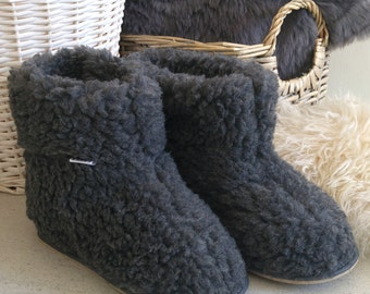 Handmade lightweight boot-style natural sheep wool snug slippers in grey colour  New with Box