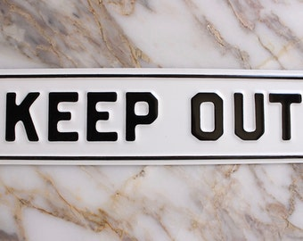 M8003 Vintage Enamel 'Keep Out' Sign