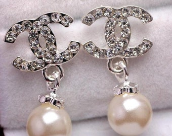 Fashion Elegant Pearl Crystal Rhinestone Stud Earrings Women Fashion dangle Designer inspiration letters buckle earrings