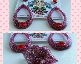 Glitter lips hoop earrings & brooch set
