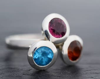Blue topaz ring-Garnet ring-Hassonite Garnet Ring-925 Sterling Silver-Three Stone ring-Multistone Ring-Statement ring-Ready to Ship